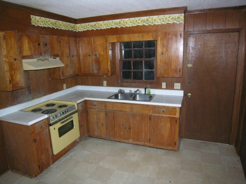 house hacking - old ugly kitchen