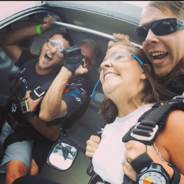 Sarah_Skydiving